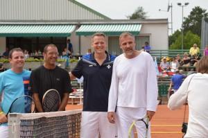 Mit Karsten Braasch, Markus Pfitzner (Vize-Präsident SV98) und Markus Zöcke